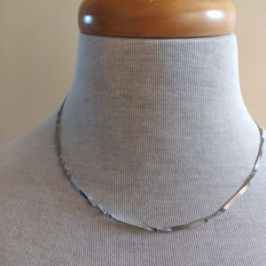 TWISTED CHAIN NECKLACE